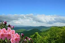 family summer mountain vacation destinations