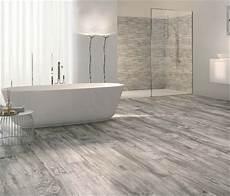 Holzoptik Fliesen Bad - bescheiden badezimmer fliesen holzoptik grau und