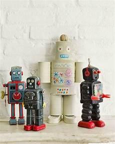 robot con material reciclado con movimiento robot con material reciclado con movimiento mundo fili 4