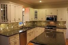Kitchen Backsplash Black Countertop by Kitchen Backsplash For Cabinet And Countertop
