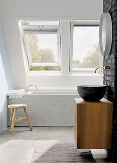 das badezimmer unterm dach individuelle so gestalten sie r 228 ume unterm dach raum wohnen und zuhause