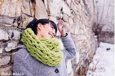 comment tricoter un foulard avec ses mains