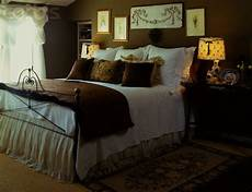 Bedroom Ideas Black Iron Bed by Black Wrought Iron Bed With White And Brown Room Colors