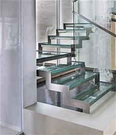 marche en verre escalier marches en verre br 252 stungsh 246 he fenster k 252 che