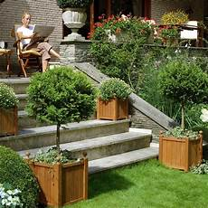 jardiniere haute bois avantages des jardini 232 res en bois am 233 nager ma maison