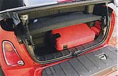 mini cabrio kofferraum auto motor und sport nr 14 2004 langzeittest mini cooper cabrio chili 1 6 langzeittest de