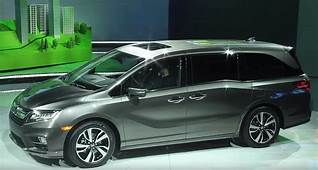 All New Minivan 2018 Honda Odyssey Makes World Debut