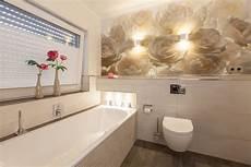 badezimmer tapeten tapete im badezimmer ihr partner f 252 r badezimmer