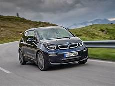 bmw electrique 2018 2018 bmw i3 vs 2018 nissan leaf which is best