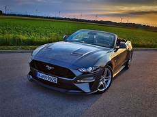testbericht ford mustang cabrio mit 450 ps auto motor