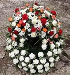 kranz beerdigung preis trauerfloristik kr 228 nze buketts f 252 r begr 228 bnis beerdigung