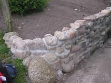 Mauer Aus Feldsteinen Steinmauer Selbstgemacht Garten