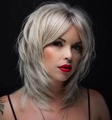 20 medium shaggy hairstyles to get stylish look hairdo