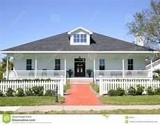 Typisches Amerikanisches Haus - amerikanisches haus stockbild bild portal gro 223