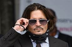 johnny depp s staffer recalls finding severed fingertip