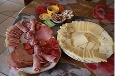 fromage pour raclette originale raclette aux 4 fromages et ses accompagnements