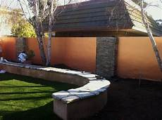 beton gartenmauer streichen we smooth stucco d this cinder block wall 2 coats of