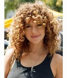 haare für einen tag färben 15 h 252 bsche lockige frisuren mit pony curly lockige