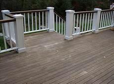 love the idea of painting top railing slightly darker
