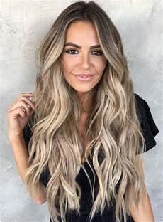 Bronde En 2019 Cheveux Bronde Couleur Cheveux Et Cheveux