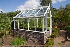 gewächshaus selber bauen holz the practical greenhouse guide diy greenhouses done right