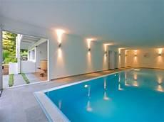 haus mit schwimmbad huf haus mit indoor pool haus architektur haus design