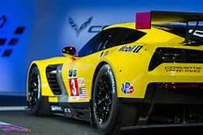 chevrolet corvette c7r race car auto education 101