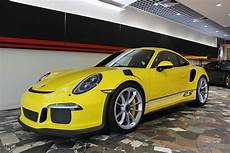 australian porsche 911 gt3 rs pdk has awesome all yellow