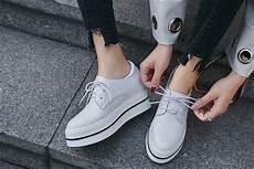 White Shoe Trend 2018 Is Still In Swing For