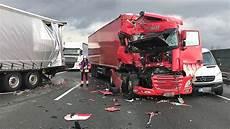 Unfall Düsseldorf Heute - lkw unfall legt verkehr auf der a1 in hagen lahm nrz de