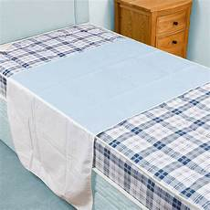 washable absorbent bed pad incontinence protection blue