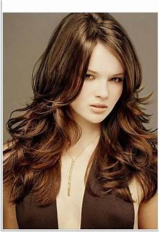 2019 popular long hairstyles for thick hair and round faces