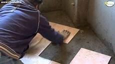 come si fa un pavimento come posare le piastrelle nel pavimento tutorial