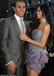 Lewis Hamilton Engaged To Scherzinger Reveals