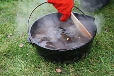 topf angebrannt was tun oven
