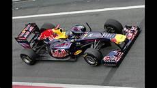 F1 Minichs Bull Racing Vettel 2011 1 18 Pt Br