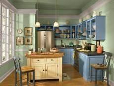 Kitchen Cabinet Knobs Trends 2015 by Kitchen Cabinet Ideas Pictures Hgtv