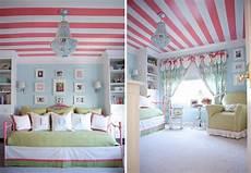 ideen jugendzimmer streichen rosa streifen an der decke m 228 dchen jugendzimmer