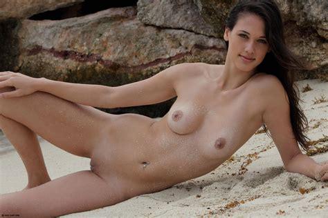 Beautiful Female Naked Bodies
