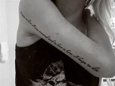 peque 241 o tatuaje que va tricep hasta el hombre y que