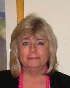 Meet In Great Kingshill Renoir1430 Age 60 In