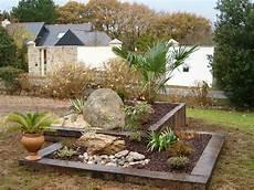 amenagement de jardin avec des pierres la ronde actual jardin paysagiste