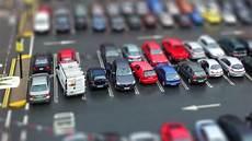 voiture abimée sur parking les places de parking trop 233 troites pour les voitures modernes
