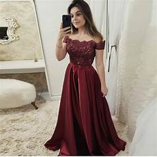 2019 off the shoulder prom dress burgundy formal evening gown with lace appliques bodice