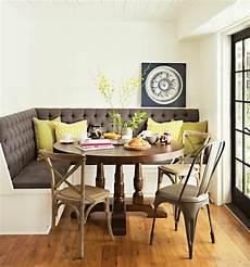 runder tisch mit stühlen ein runder tisch f 252 r jeden raum archzine net