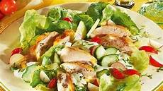 kalorien gemischter salat gemischter salat mit h 228 hnchenbrust bild der frau