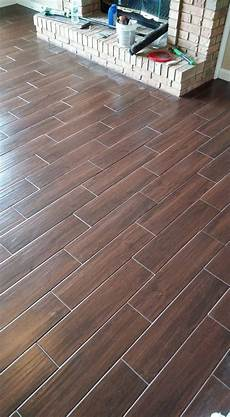 Fliesen Holzoptik Nussbaum - wood look tile grout color pb41 roccommunity