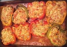 gefüllte paprika im backofen paprika mit kichererbsen k 228 se f 252 llung