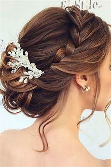How To Style Hair For A Wedding