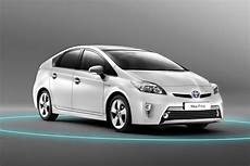 facelifted 2012 toyota prius quietly makes world premiere